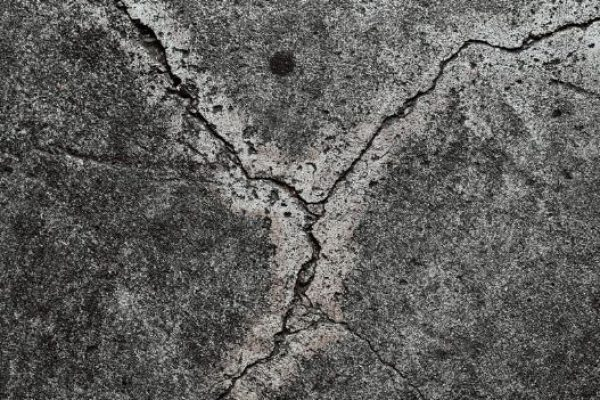 Cracking in concrete slab in Coorparoo Brisbane caused by faulty foundations